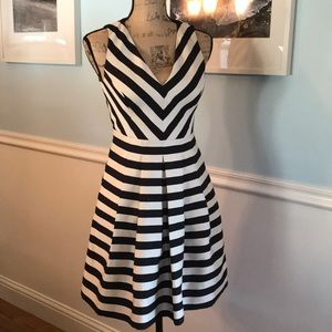 Sweetest looking banana republic striped dress 0P